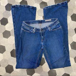 Chip & Pepper Traveler Low Rise Flare Leg Jeans 28